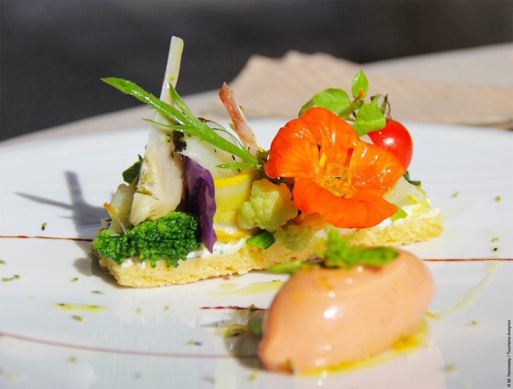 Tartelette de légumes de saison de Michel Truchon © M. Hennessy / Tourisme Aveyron