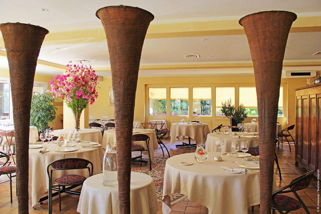 Salle à manger, restaurant Le Sénéchal © M. Hennessy / Tourisme Aveyron