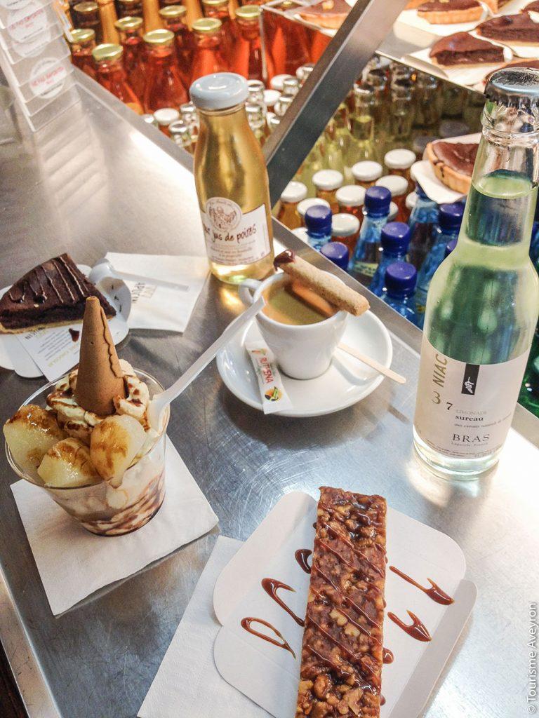 Desserts de l'espace gourmand © Tourisme Aveyron