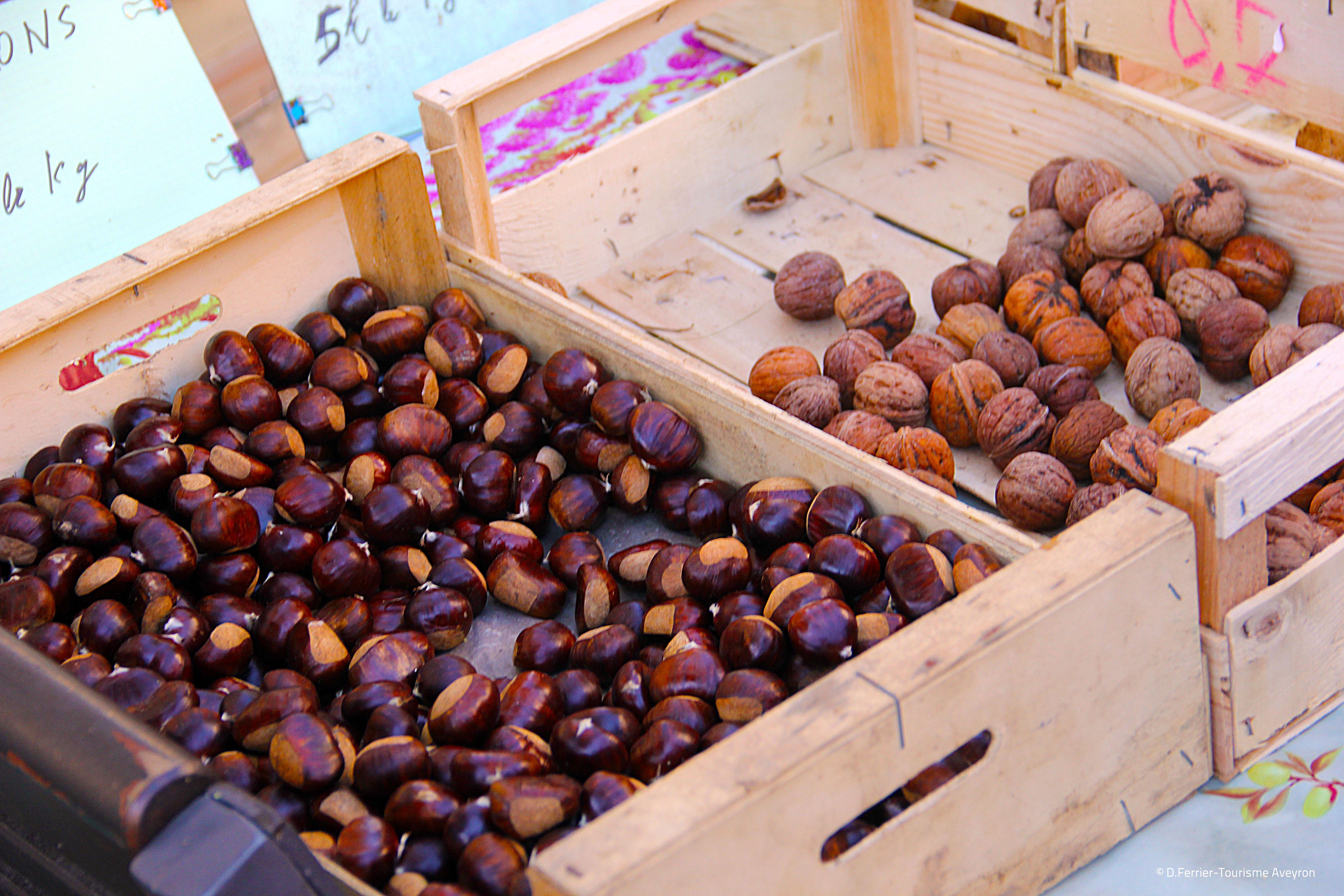 Marrons et noix, marché de Rodez, Aveyron © D.Ferrier - Tourisme Aveyron