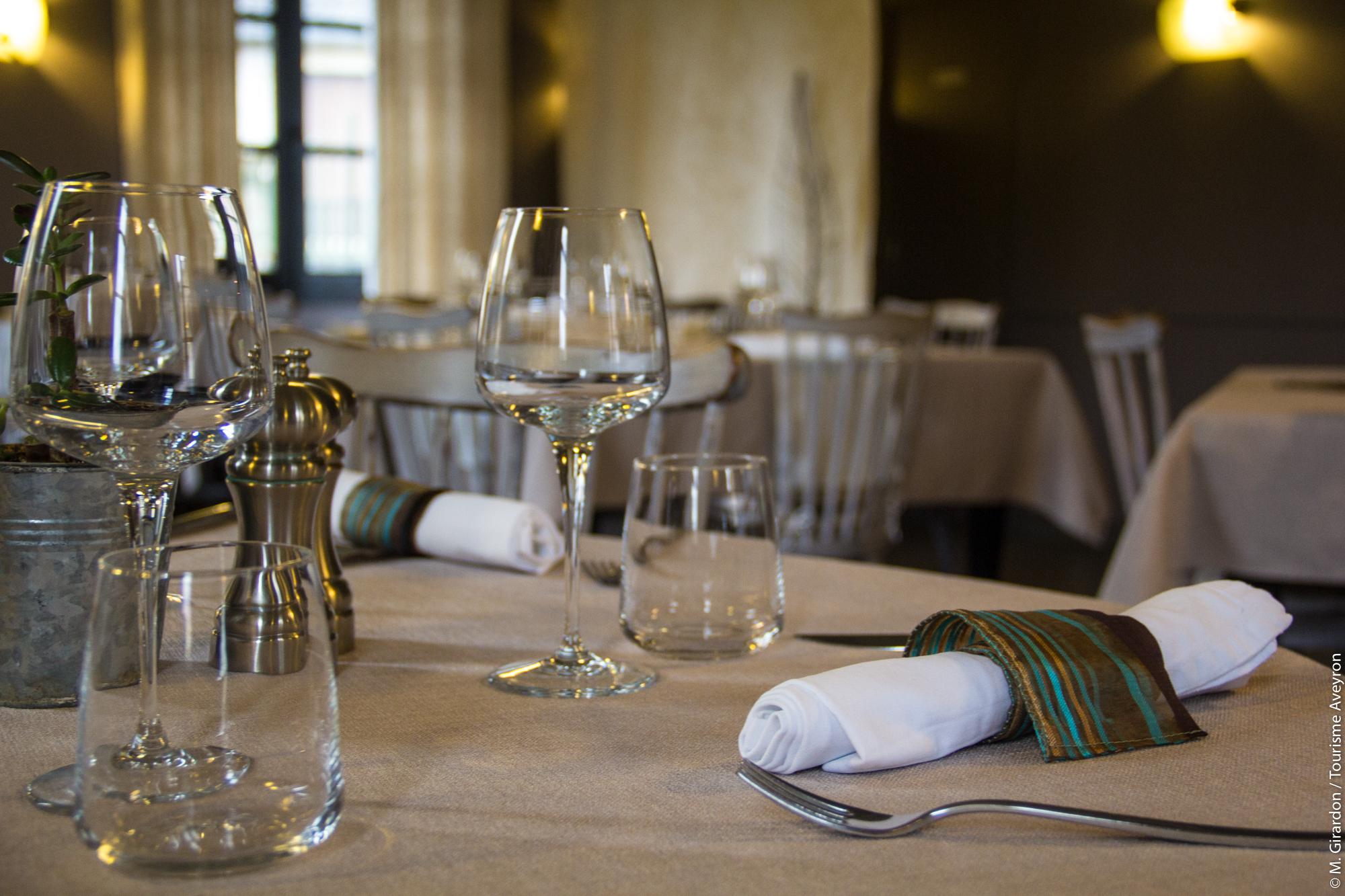Restaurant, Aubrerge du Château, Aveyron