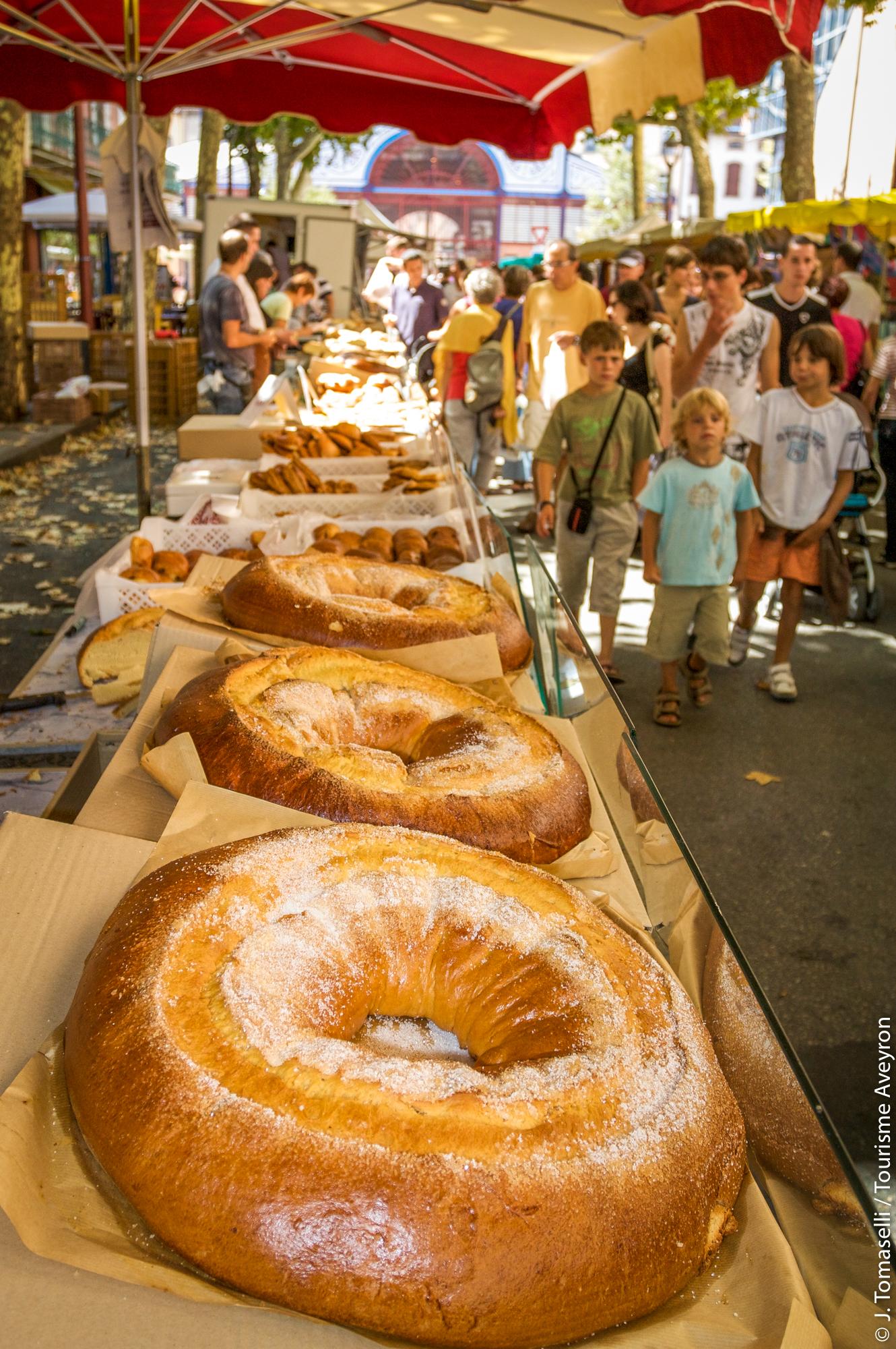 Fouace au marché de Millau